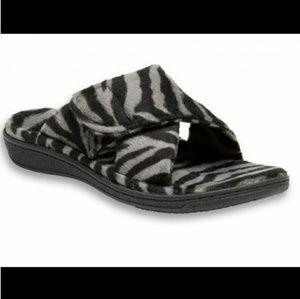 Vionic  slipper  shoes